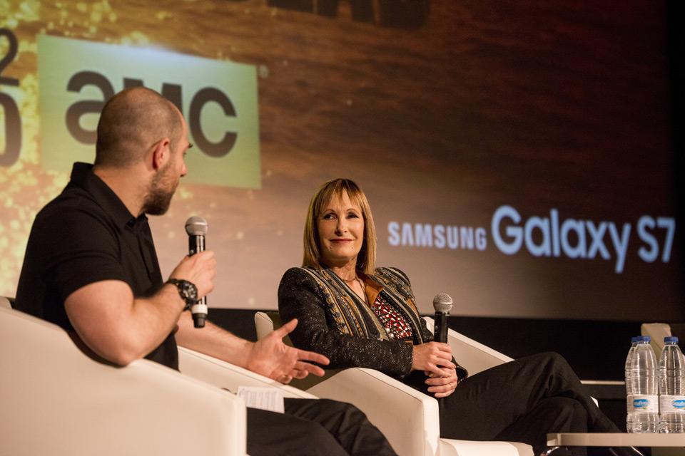 Alberto Rey y Gale Anne Hurd.