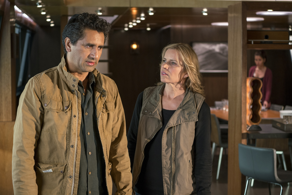 Madison Clark (Kim Dickens) and Travis Manawa (Cliff Curtis) in Episode 1 Photo by Richard Foreman/AMC