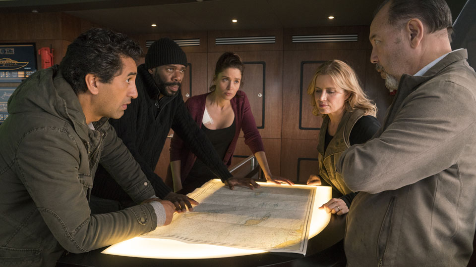 Daniel Salazar (Ruben Blades), Victor Strand (Colman Domingo), Ofelia Salazar (Mercedes Mason), Madison Clark (Kim Dickens) y Travis Manawa (Cliff Curtis) en Episodio 2 Photo by Richard Foreman/AMC