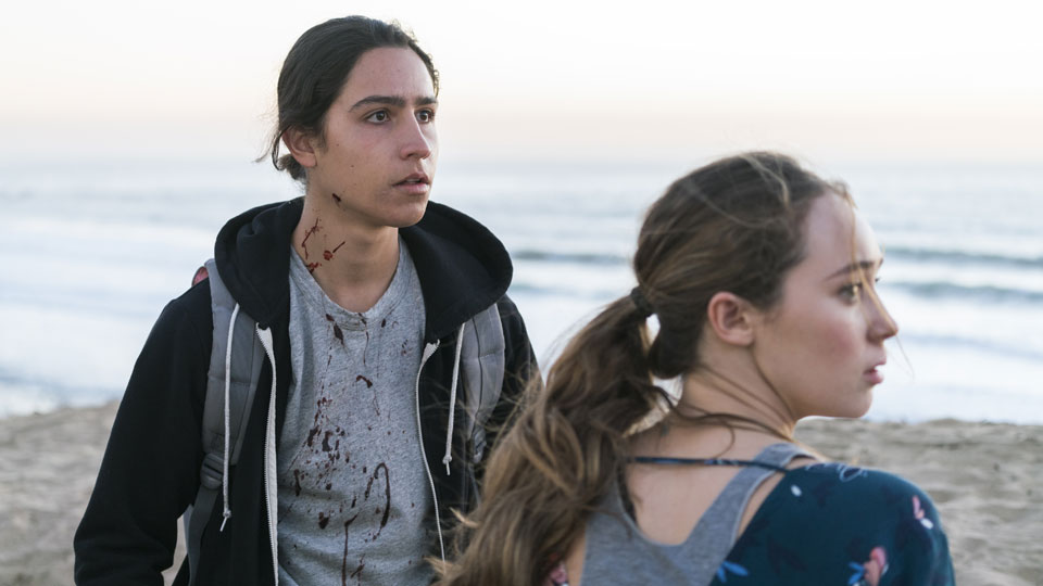 Alicia Clark (Alycia Debnam-Carey) y Christopher Manawa (Lorenzo James Henrie)  en Episodio 3 Photo by Richard Foreman/AMC