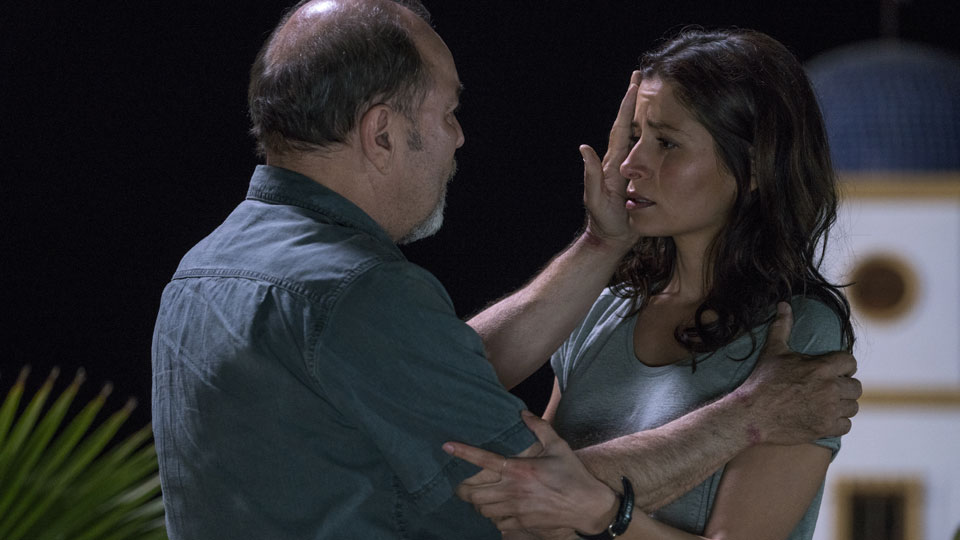 Daniel Salazar (Ruben Blades) y Ofelia Salazar (Mercedes Mason) en Episodio 7 Photo by Richard Foreman/AMC