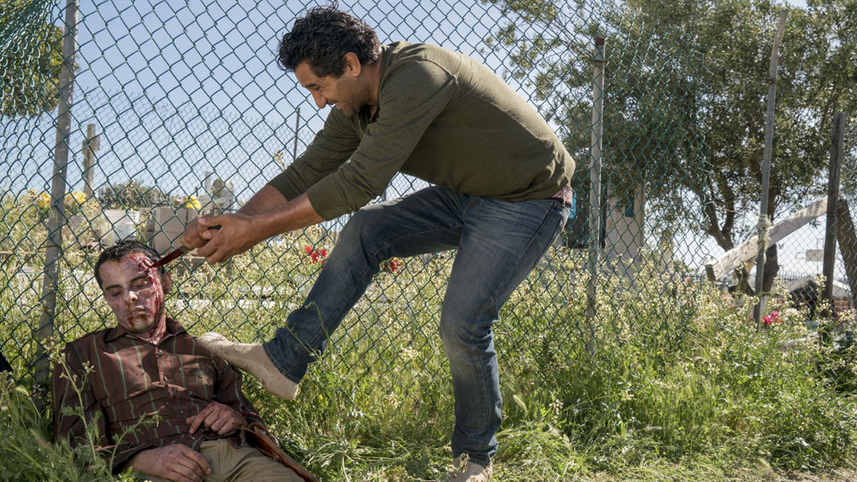 Travis Manawa (Cliff Curtis) en Episodio 7 Photo by Richard Foreman/AMC