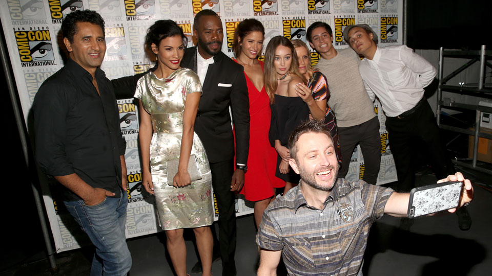 SAN DIEGO, CA - JULY 22: (L-R) Actors Cliff Curtis, Danay Garca, Colman Domingo, Mercedes Masohn, Alycia Debnam Carey, Kim Dickens, Lorenzo James Henrie, Frank Dillane and Chris Hardwick (Front) attend AMC's 'Fear The Walking Dead' Panel during Comic-Con International 2016 at San Diego Convention Center on July 22, 2016 in San Diego, California. (Photo by Jesse Grant/Getty Images for AMC)