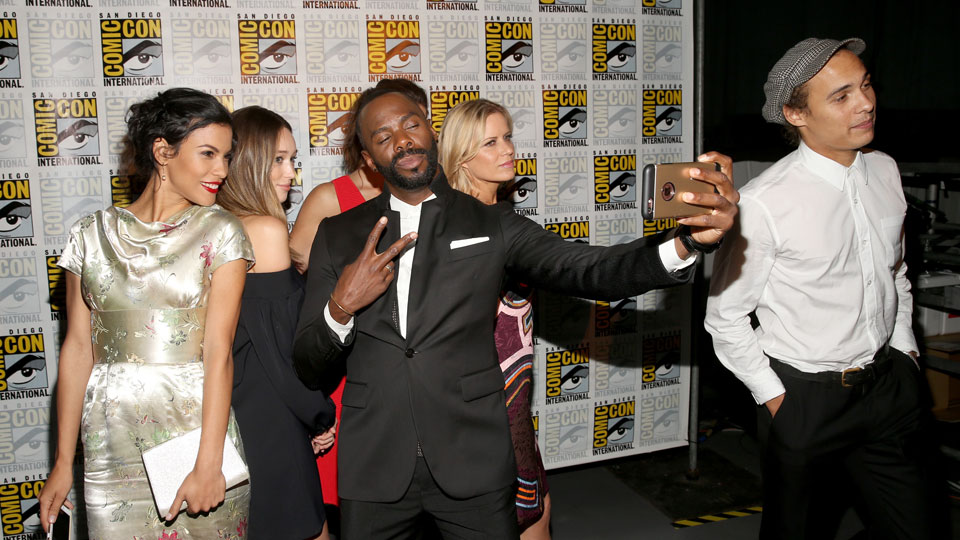SAN DIEGO, CA - JULY 22: (L-R) Actors Danay Garca, Alycia Debnam Carey, Colman Domingo, Mercedes Masohn, Kim Dickens and Frank Dillane attend AMC's 'Fear The Walking Dead' Panel during Comic-Con International 2016 at San Diego Convention Center on July 22, 2016 in San Diego, California. (Photo by Jesse Grant/Getty Images for AMC)