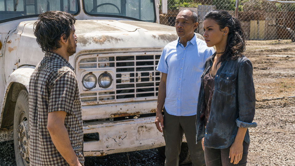 Alejandro (Paul Calderon) y Luciana (Danay Garcia) en Episodio 9 Photo by Richard Foreman/AMC
