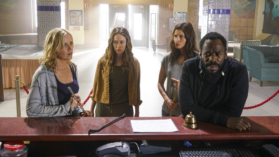 Alicia Clark (Alycia Debnam-Carey), Ofelia Salazar (Mercedes Mason), Victor Strand (Colman Domingo) y Madison Clark (Kim Dickens) en Episodio 9 Photo by Richard Foreman/AMC