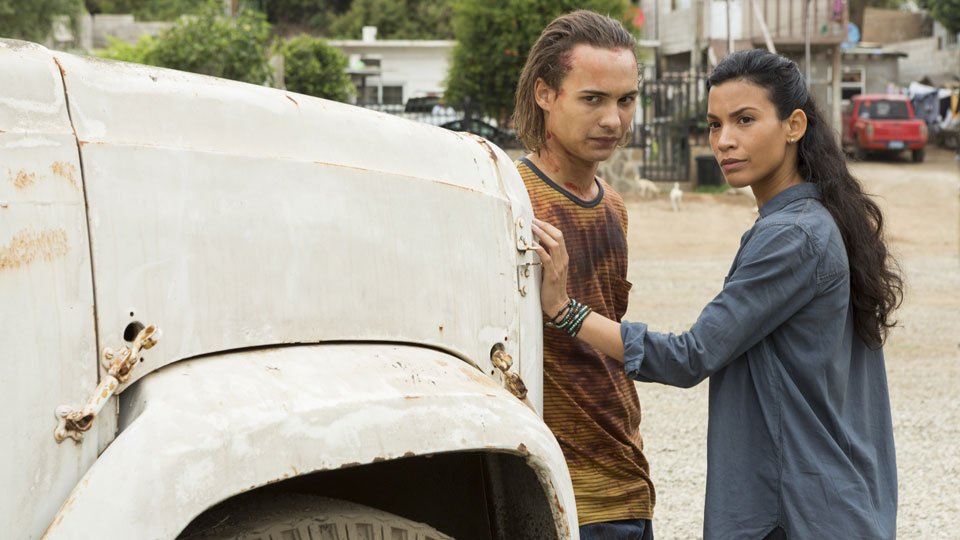 Nick Clark (Frank Dillane) and Luciana (Danay Garcia) en Episodio 14 Photo by Richard Foreman/AMC