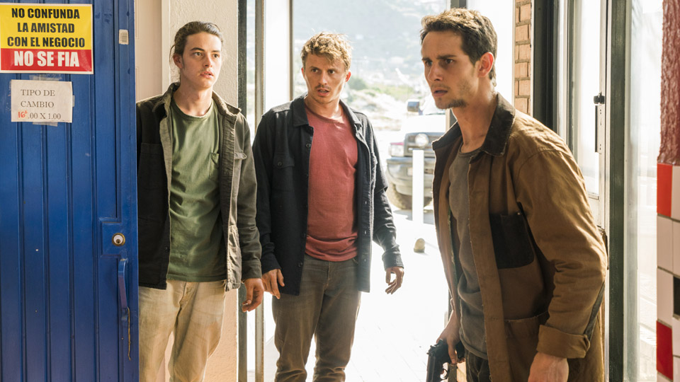 James (Israel Broussard), Derek (Kenny Wormald) y Brandon (Kelly Blatz) en Episodio 10 Photo by Richard Foreman/AMC