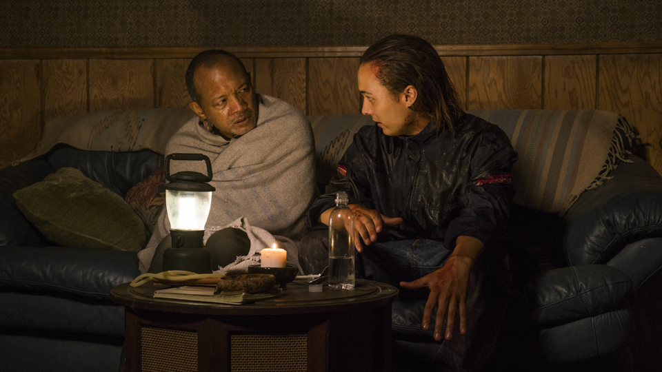 Alejandro (Paul Calderon) y Nick Clark (Frank Dillane) en Episodio 15 Photo by Richard Foreman/AMC