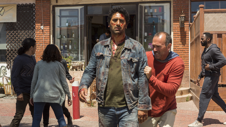 Travis Manawa (Cliff Curtis) en Episodio 15 Photo by Richard Foreman/AMC