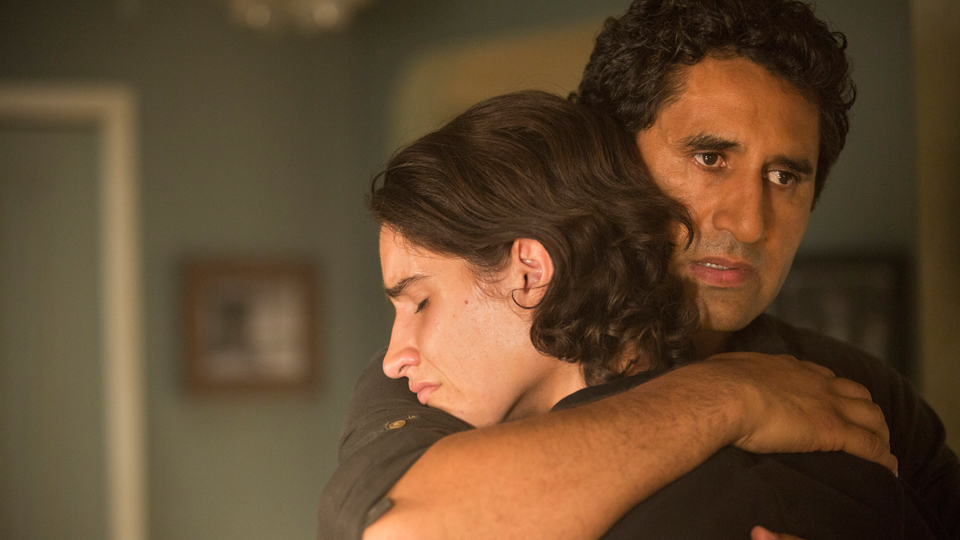 Lorenzo James Henrie as Chris and Cliff Curtis as Travis - Fear The Walking Dead _ Season 1, Episode 5 - Photo Credit: Justina Mintz/AMC