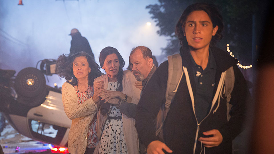 fear-the-walking-dead-episode-103-christopher-henrie-935