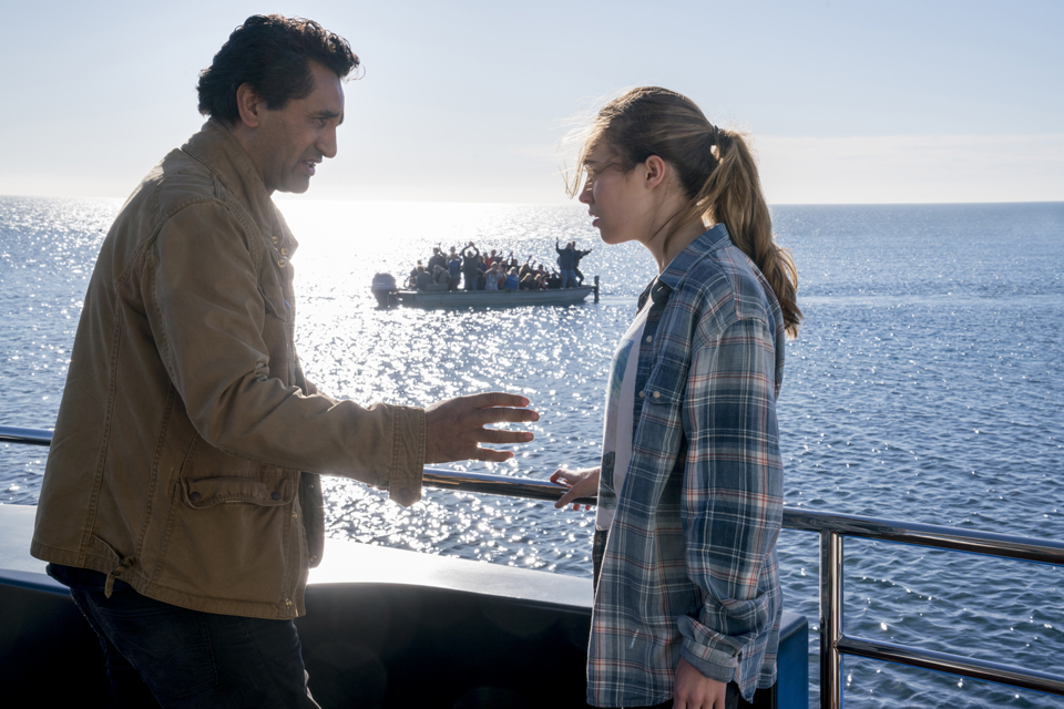 Alicia Clark (Alycia Debnam-Carey) and Travis Manawa (Cliff Curtis) in Episode 1 Photo by Richard Foreman/AMC