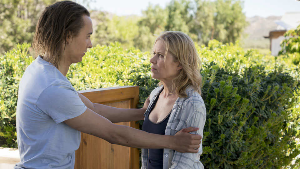 Nick Clark (Frank Dillane) e Madison Clark (Kim Dickens) no Episódio 7 Photo by Richard Foreman/AMC
