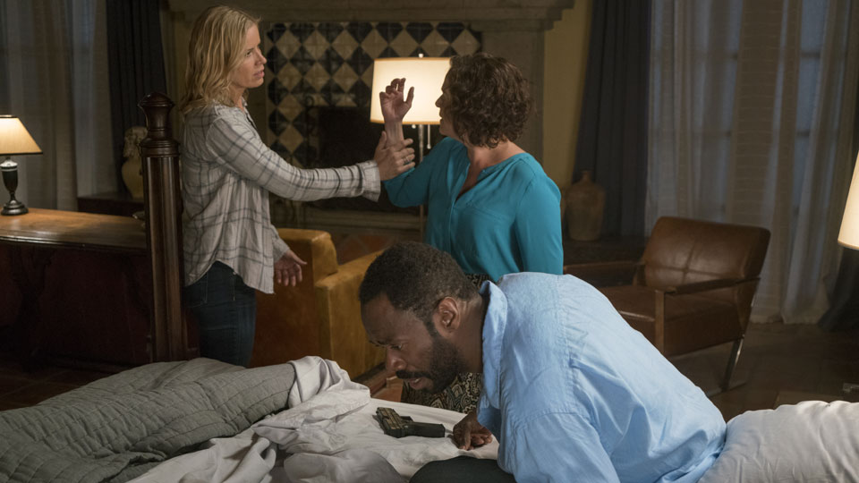 Madison Clark (Kim Dickens), Victor Strand (Colman Domingo) e Celia Flores (Marlene Forte) no Episódio 7 Photo by Richard Foreman/AMC
