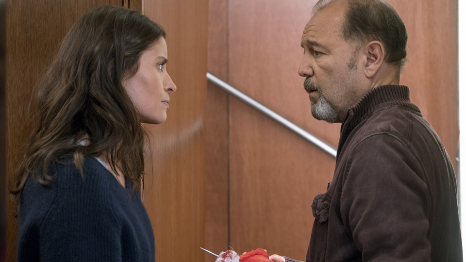 Ofelia Salazar (Mercedes Mason) e Daniel Salazar (Ruben Blades) no Episodio 5 Photo by Peter Lovino/AMC