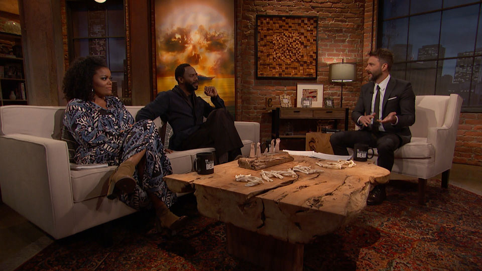 Chris Hardwick,  Yvette Nicole Brown e Colman Domingo (Victor Strand) no Episódio 3