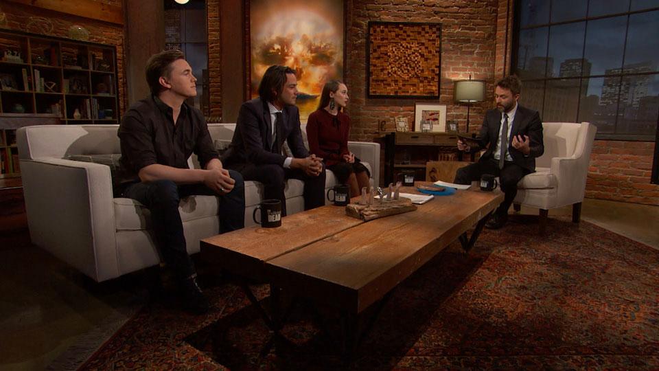 Chris Hardwick,  Jesse McCartney (Reed), Daniel Zovatto (Jack) e Alycia Debnam-Carey (Alicia Clark) no Episódio 5