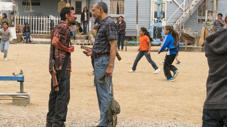 Francisco (Alfredo Herrera) e Alejandro (Paul Calderon) no Episódio 11 Foto de Richard Foreman Jr/AMC