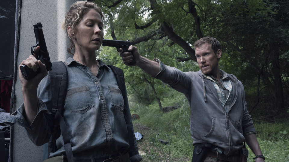 Jenna Elfman as Naomi, Charles Harrelson as Quinn - Fear the Walking Dead _ Season 4, Episode 12 - Photo Credit: Ryan Green/AMC