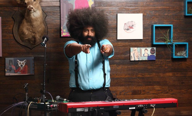 comedy-bang-bang-episode-9-reggie-watts
