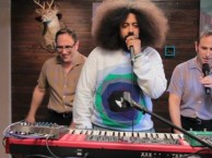 Reggie makes music with guests Randy and Jason Sklar.