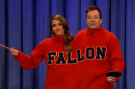 <em>Spoils</em> Star Jessica Alba Plays Turtleneck Pong on Fallon