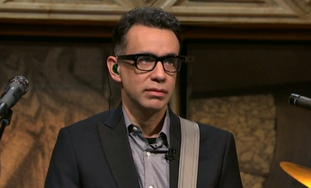 Fred Armisen with a weight of 68 kg and a feet size of N/A in favorite outfit & clothing style