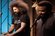 Craig Robinson Sings a Sultry Slow Jam