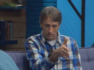 Tony Hawk tells Scott how to avoid one's penis from getting in the way of doing skateboard tricks.
