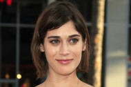 8 Signs That Lizzy Caplan's the Master of Awesome