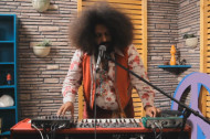 Watch: Reggie Watts Is the Ultimate One-Man Band