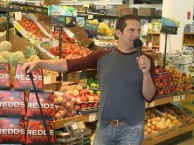 Seth Herzog drops by a supermarket to tell some jokes about food to unsuspecting customers.