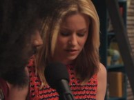 Reggie Makes Music with guest Elizabeth Banks