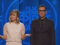 Fred Armisen and Kristen Bell open the 2015 Independent Spirit Awards.