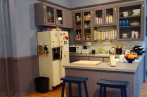 Hulu's Seinfeld Apartment Recreation Has Everything But Kramer