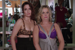 Tina Fey and Amy Poehler Throw an Epic Party in Sisters Trailer