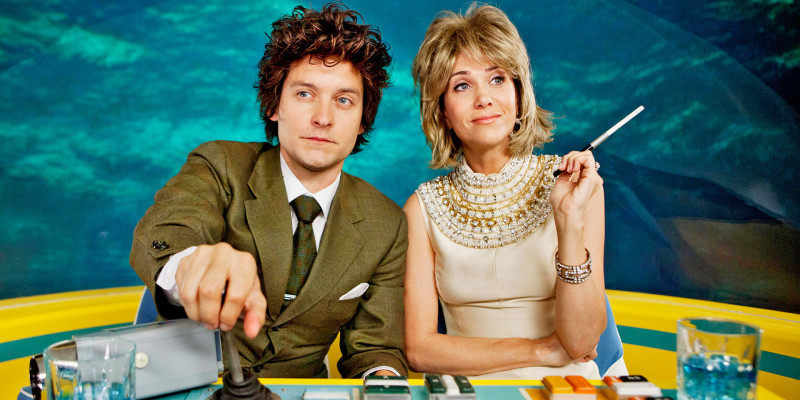 Tobey Maguire and Kristen Wiig in The Spoils of Babylon