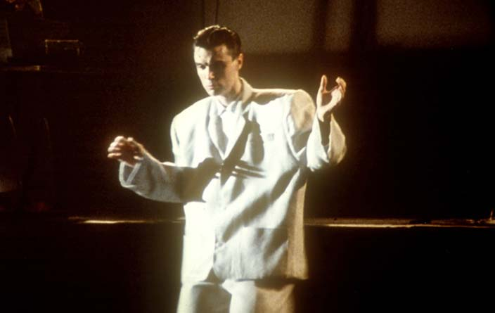 David Byrne Dancing