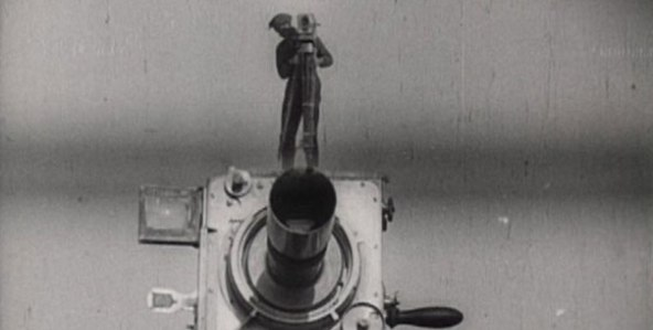 the-man-with-a-movie-camera_592x299-7
