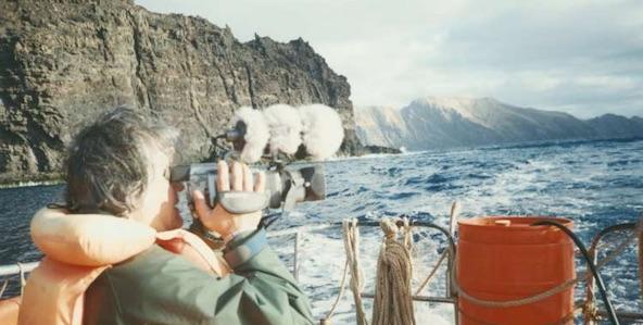 robinson-crusoes-island_592x299-7