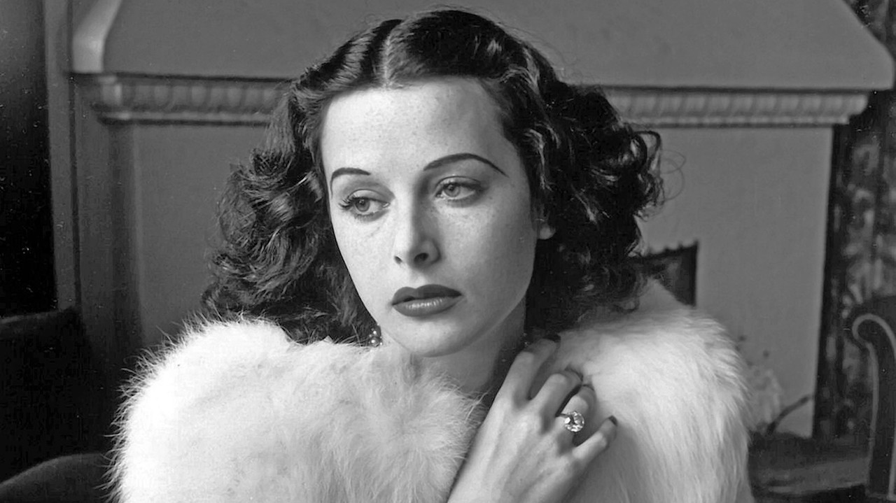 Hedy Lamarr - Glamorous portrait of movie actress Hedy Lamarr wearing white fox fur short jacket.1938 - ©Diltz/RDA/Everett Collection (00523921)