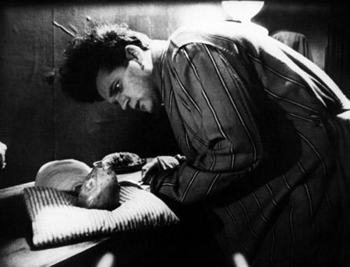 9. ERASERHEAD (1977)