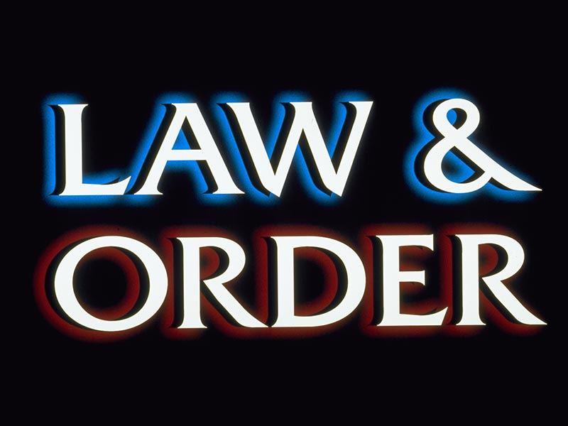 5-3-Footer-Law-and-Order-800x600
