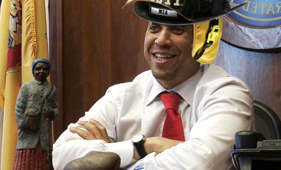 BRICK CITY Mayor Cory Booker saves woman from burning building, causes all social media platforms to explode