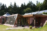 Students compete to design European Earthship