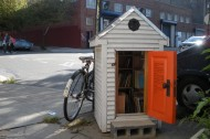 Williamsburg's Corner Library: The smallest library in the world