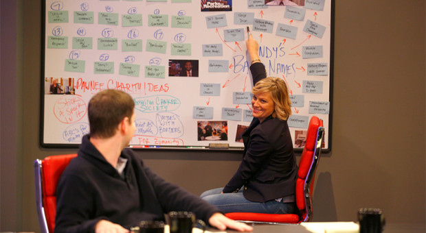Amy-Poehler-The-Writers-Room-Parks-and-Recreation-Video-Clip-800x450