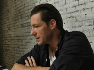 SINGLE STORIES - Writer/director Ed Burns explores the importance of family with his storytelling.