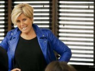 Suze Orman's non-nonsense teacing style divides the Dreeam School class.
